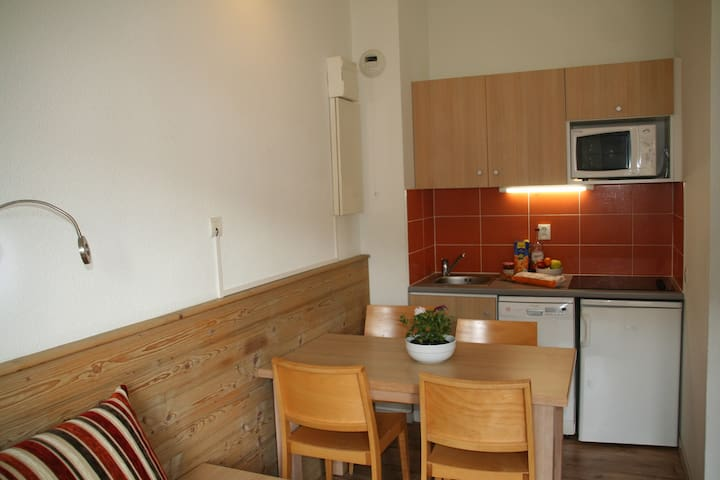 Superb La Tania apt sleeps 4, parking included