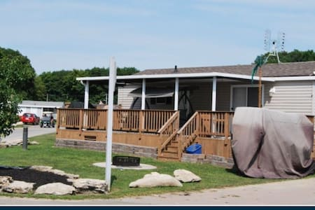Beautiful Sherkston shores cottage - Port Colborne - Cabaña