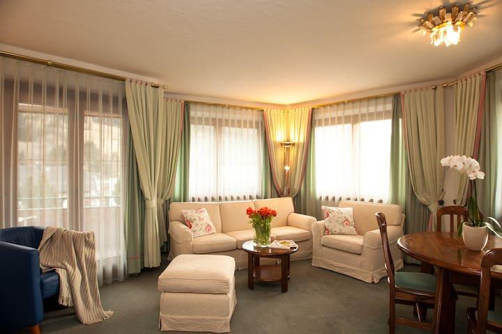 #12 Appartement mit Loggia und Blick auf die Berge