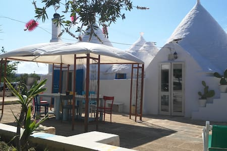 Trullo Nicolò - Red Room plus swimming-pool usage - Martina Franca