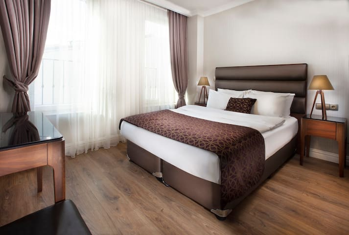 40 Seconds to Galata Tower-Modern Room