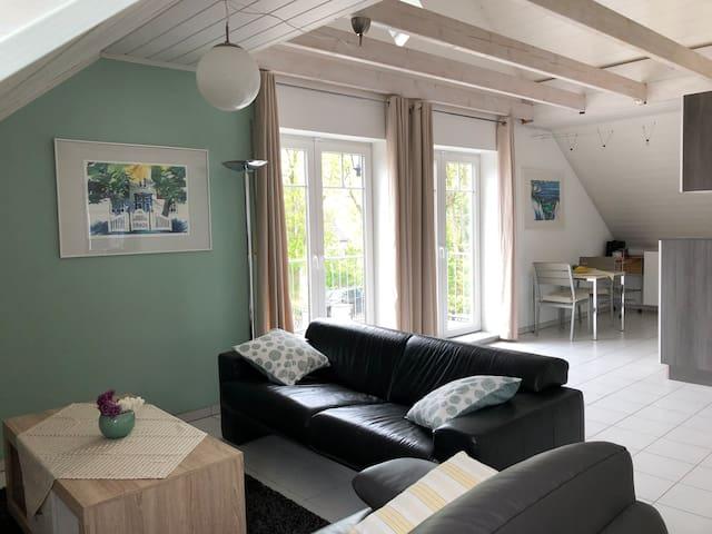 Helle, moderne Wohnung in ruhiger Lage