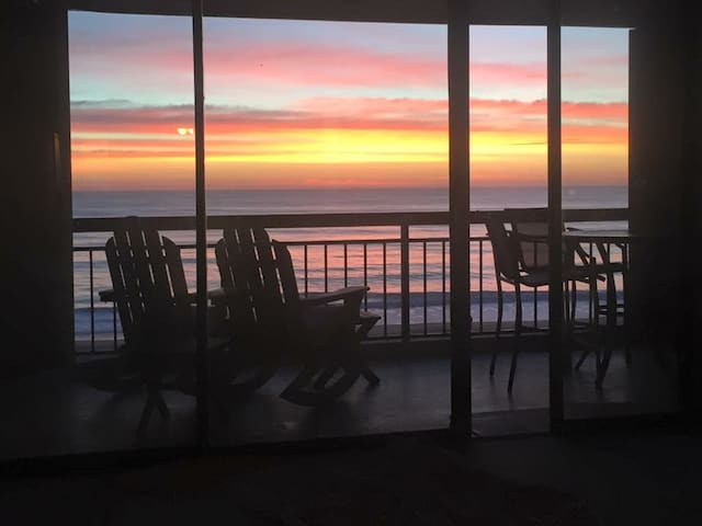 Oceanfront 8th Floor Condo in OCMD