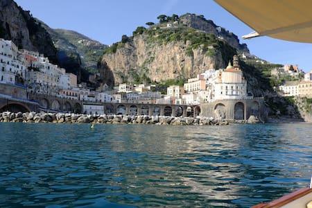 Stunning house right near Amalfi - Atrani - Apartmen