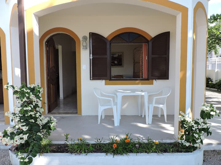 Extensive 2 bedroom apartment 50m from the beach