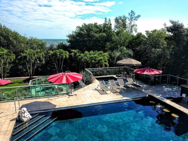 Modern Eden - Palmetto Bay - House