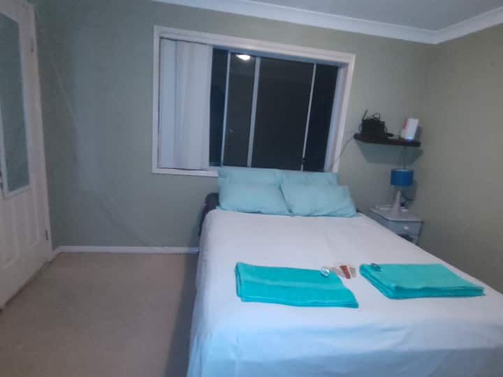 Private guest Room in great location!