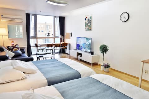 Largest Flat in Gangnam #5 (Premium Bed by Subway)