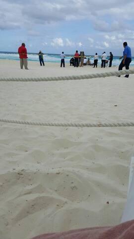 Excelente hubicacion y alberca - Cancún - Villa