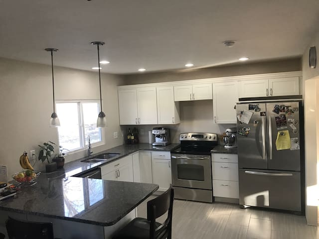 Unique oasis, newly remodeled in the heart of WDM - West Des Moines - Hus