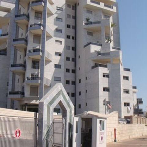 beautiful apartment 30 minutes from tel aviv