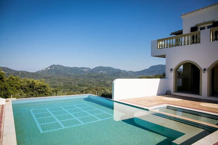 Villa Olive -  Spacious, Pool, Beautiful Views