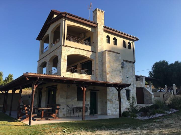 Πετρόχτιστη κατοικία περιοχή Ξενια Χαλκιδικής.