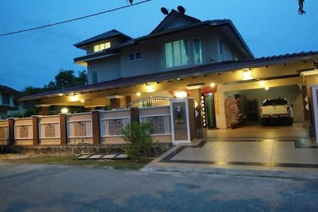 Happy Homestay - Family Room 1 (2 bed room) - Bungalow