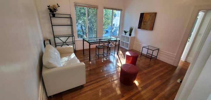 Charming Apt in the middle of SF F1