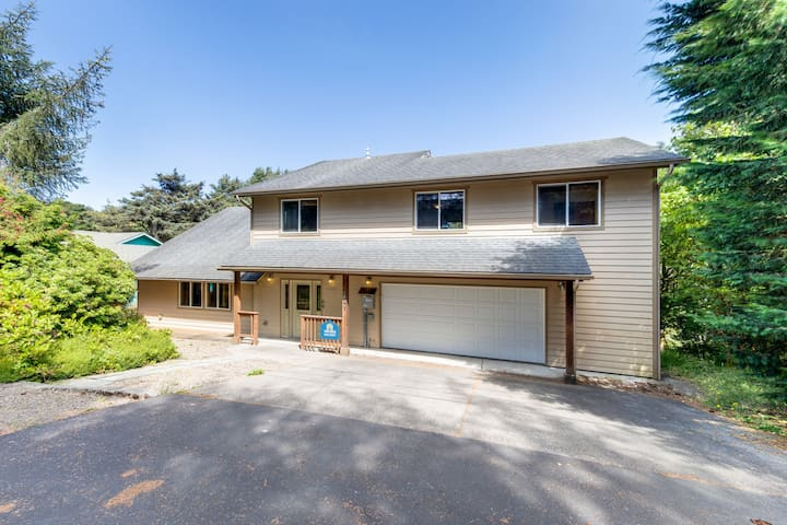 Family-friendly home steps from the beach w/ Ping-Pong - dogs welcome!