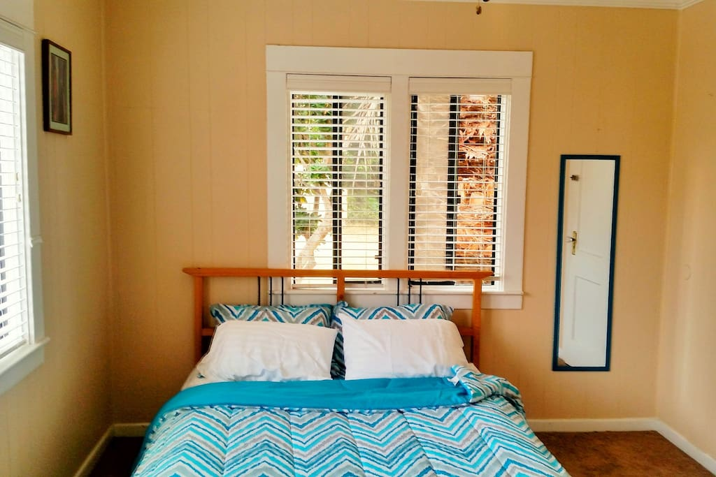 La Jolla Beach Bungalow Duplex With Ocean View Apartments For Rent In San Diego California