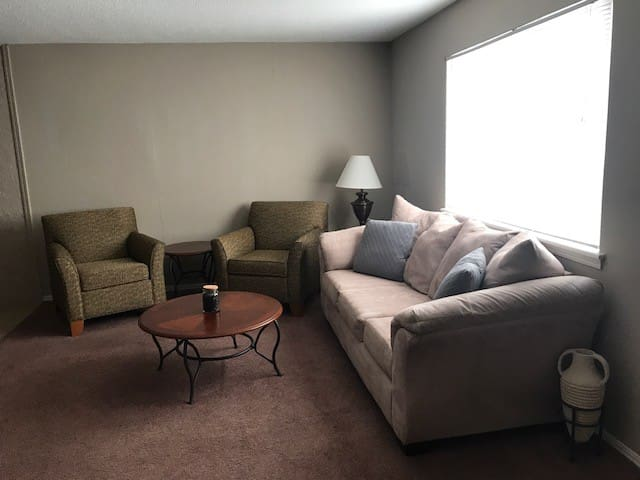1 Bedroom Apt, Fully Furnished, All Bills Included