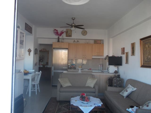 A Beautiful Beach House - Heraklion - Apartamento