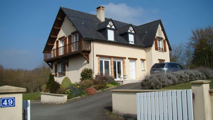 Chambres d'hôtes  à Villaines la Juhel - Villaines-la-Juhel - Casa de hóspedes