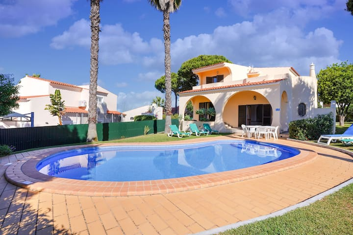 Modern villa in an exclusive residential area with a private swimming pool