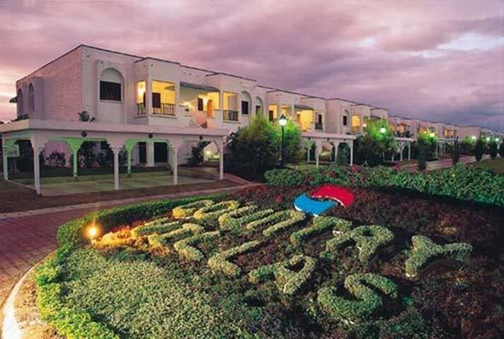 3 Bedrooms Family villa, Country Resort in Kajang