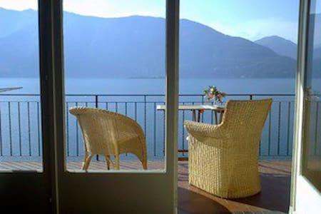 Haus mit Seeblick-Lago Maggiore - Caviano - House