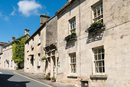 C18th charm in heart of Painswick - Painswick - Bed & Breakfast