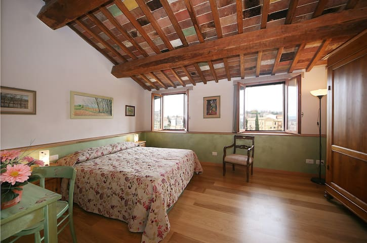 Casacenti B&B heart of Siena double room