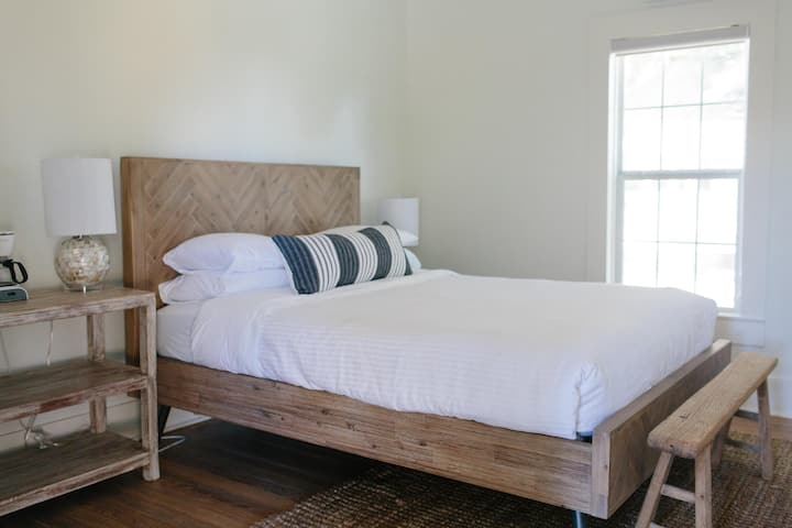 Room Five - Farmstead Round Top