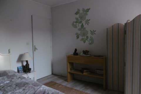 A cozy room on a pretty classified street..