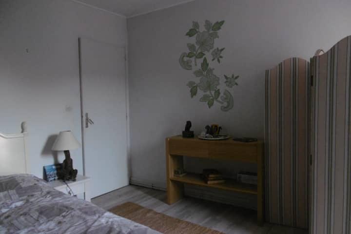 Un chambre douillette dans une jolie rue classée..