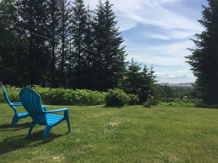 Alaska Holiday Homes - Garden Retreat