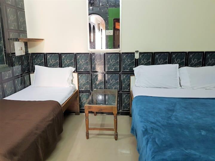 Beautiful Budget Room near International Airport