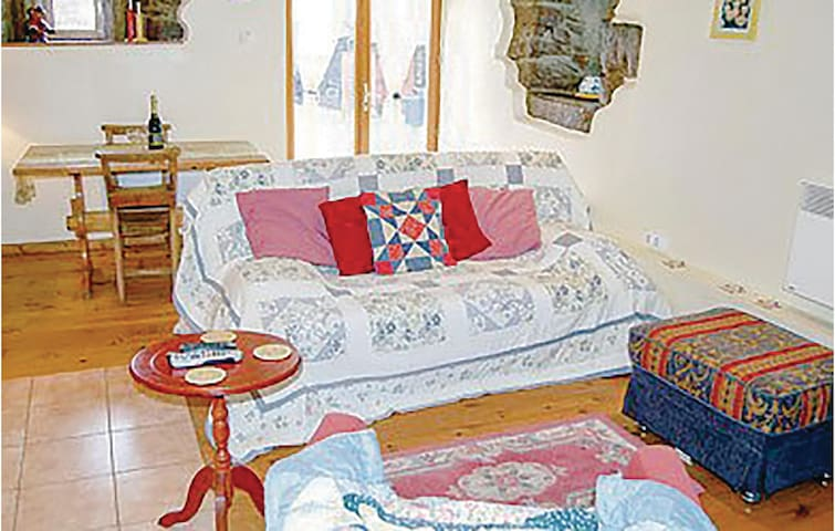 Semi-Detached with 1 bedroom on 37m² in St. Simeon