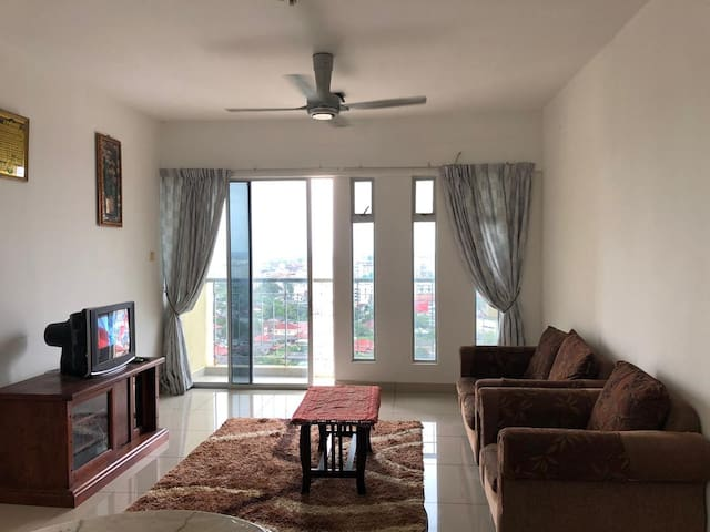 Spacious and Relaxing Apartment Next to KB Mall
