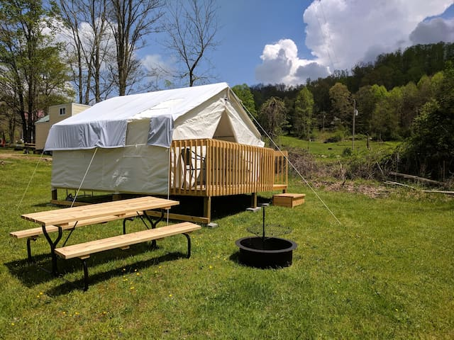 Glamping  in Fayetteville WV-2 miles from River