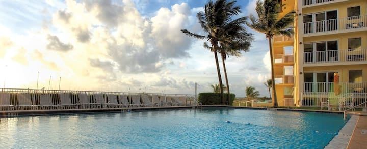 1BR Luxury Condo // Club Wyndham Sea Gardens Resort 5