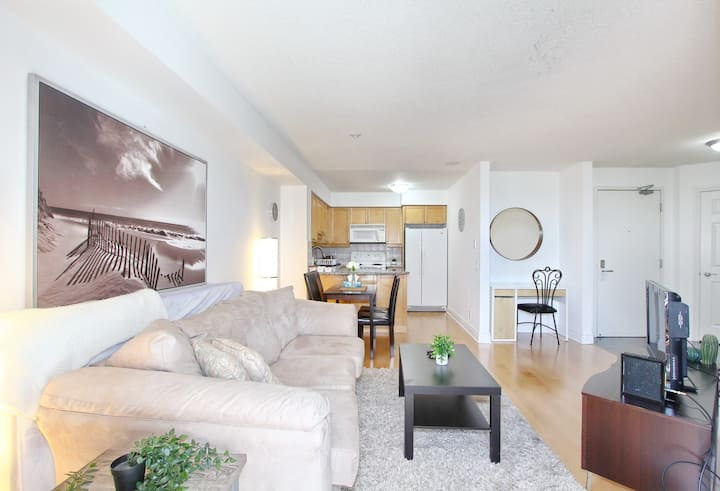 Executive 1 BR Suite in Avondale Harrison