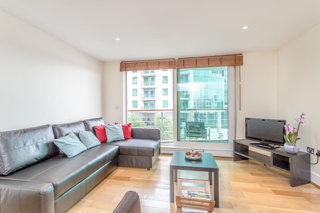 Modern 2 Bed Flat In Vauxhall With Balcony Flats For