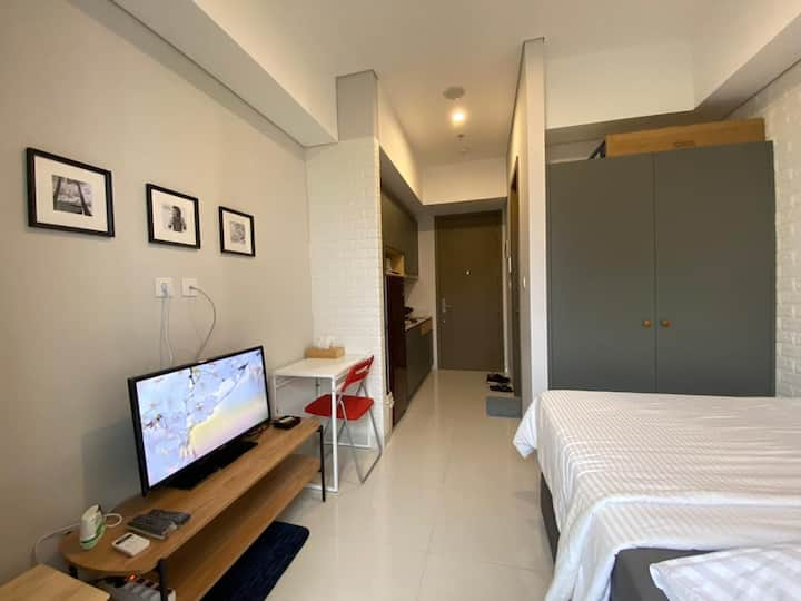 Exclusive Taman Anggrek Residence Suite Studio.