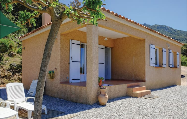 Holiday cottage with 2 bedrooms on 60m² in Casalabriva