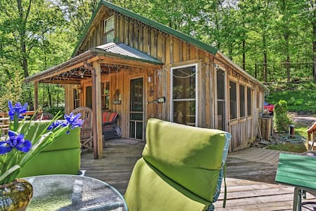 Private Getaway w/ 270 Acres + Lake: Swim & Canoe!