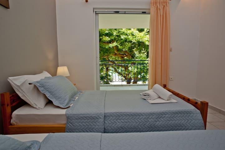 Erodios#2 beachfront 2B relaxing apartment @ Rodia