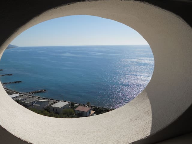 A PORTHOLES ON THE (Website hidden by Airbnb) RENEW YOU IN A DREAM