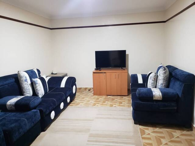 Available 1 bedroom house with kitchen kileleshwa