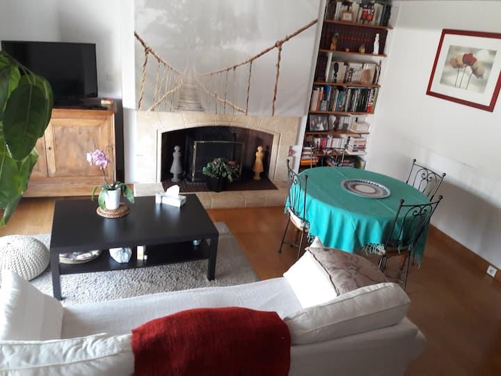 Chambre 2 personnes dans appartement en duplex