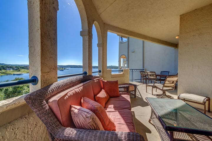 Enjoy amazing views, pools, & hot tubs from this dog-friendly waterfront condo!