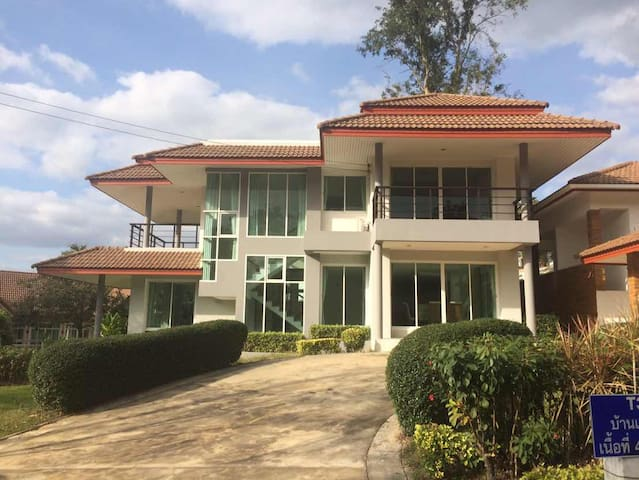 Family Luxury House in the hill @Khao Yai