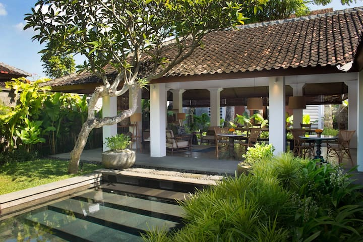 Beautiful Courtyard Studio Satu Atelier TE Sanur